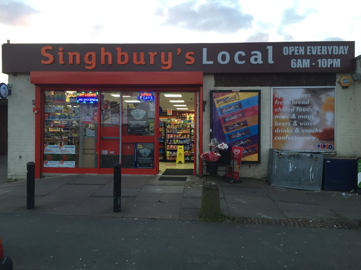 Does this Aylesbury shop look a little too familiar? The owner claims this is nothing to do with Sainsbury's. https://t.co/vY60ejl7Pf