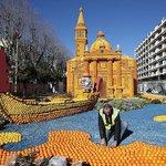 【カラフル】南仏で「レモン祭り」開催間近 街中がさわやかな香りに https://t.co/ZDeqt4I88a 祭りに合わせて、レモンとオレンジを使った巨大なオブジェを制作。期間中は、約140トンのレモンとオレンジが使われる。 https://t.co/PuJAzeceG5