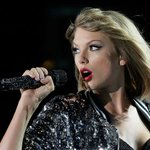 .@taylorswift13 is the top-earning musician nominated for a Grammy in 2016 https://t.co/1fjCJYF49k https://t.co/ESNAANOQwY