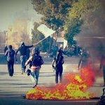 خروج مسيرة في العاصمة الثورة #سترة وذلك ضمن فعالية عصيان النمر و اندلع المواجهات عنيفة #البحرين https://t.co/ZISen0Y2iS