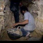 وثائقي (الطرق إلى الحامدية): أسرار النفق الذي اقتلع معسكر الحامدية! https://t.co/h7tM8fv9rK #أورينت #سوريا #حماة https://t.co/tvlXcC4wr8