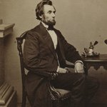 Abraham Lincoln, the 16th president of the United States, was born #onthisday in 1809. https://t.co/wpHjR6HX9Z https://t.co/rwkKC09Zuh
