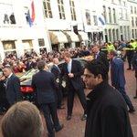 De koning neemt afscheid van de commissaris, van de stad en van Jeroen Bosch. #JB500 #BD https://t.co/zeBuyheevK