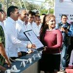 Se entregó reconocimiento a Ana Laura Baeza Cervera por su destacada participación en la ceremonia cívica. https://t.co/a1ztIQGZaS