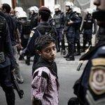 السجون يجب ان لا تكون مأوى لهم بل مكانهم هو صفوف مدارسهم واحضان امهاتهم ورعاية آبائهم #Bahrain #SaveOurChildren https://t.co/1ZLhWFMPQo