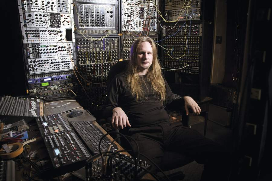 In the new issue, Venetian Snares (@snares) talks through the modular rig behind his new LP https://t.co/8ifMGgiPko https://t.co/j3Oiqq1AkM