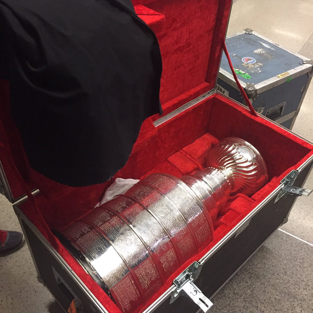 Looked what just arrived for the @NHLCanes Stanley Cup reunion weekend. #redvolution #StanleyCup #nhl #canes https://t.co/1V2mxJx6Fy