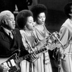 """#FBF Almost 43 years ago, The Staple Singers performed their #1 hit """"Ill Take You There"""" at 15th Annual @TheGRAMMYs https://t.co/AioK1fcayp"""