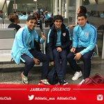 Los jugadores esperan en el aeropuerto de Loiu el vuelo que les llevará a Madrid #athletic https://t.co/zAeRFVWByu