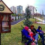Parka gidip bankta otururken yanınızda kütüphane bulabileceğiniz bir şehir var ülkemizde. #eskişehir https://t.co/TsGBua9KvK