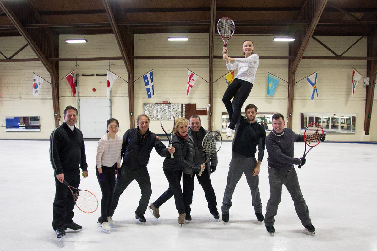 Brian Orser, Tracy Wilson & the skaters at the Cricket Club are ready for #WinterTennis on Monday! https://t.co/mc5xgJUKVH