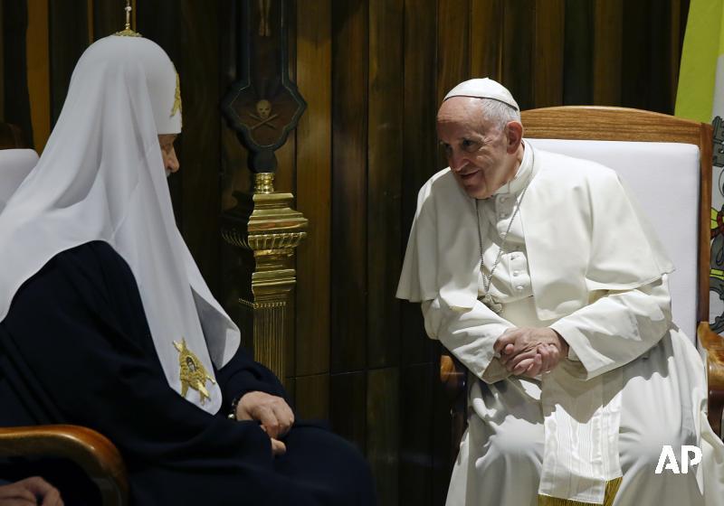 Франциск демонстрирует католическую фигу https://t.co/Oj0UeRm7kC
