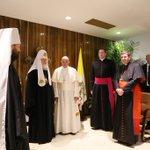 Las primeras imágenes del encuentro entre el Papa Francisco y el Patriarca Kirill en La Habana #Cuba #CubaesPaz https://t.co/HVgHnYdPAB