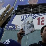 The Dodgers will provide fans with free programs this year https://t.co/wnZV0rOsOG https://t.co/rYWe4TzNkO
