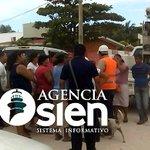 Pobladores de #IslaAguada liberan camionetas de @CFEmx Llegaron a un arreglo, deben pagar sus adeudos pendientes https://t.co/9ZquZG6GWu