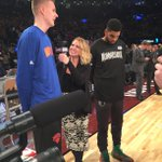 .@kporzee & @KarlTowns w/ @NBAonTNT's @KristenLedlow! #KnicksTOthe6 https://t.co/xpQrVwQtUq