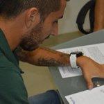 #Foto: John Freddy Pérez (volante) firmó contrato con el @OFICIALATBUCARA #BLU960AM @Jonasachi @PinoCalad https://t.co/k9CJ5pj3FO