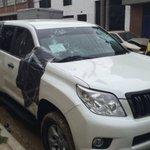 Denunciarán a taxista que atacó vehículo en el que se movilizaba hija de Pacho Santos. https://t.co/pEQ0OpOgVz https://t.co/xevblrpKId