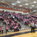A whole lot of pink at @BlackRaidersEHS for the Rich Vanderloo scholarship game! Action from North & East at 10! https://t.co/yOsaSQ7rw6