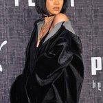 Rihanna on the black carpet for her #NYFW debut with #FENTYxPUMA ???? https://t.co/DKk7kVUnpt