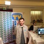 Un allegro e sorridente @fragolaofficial è in redazione per il suo ultimo video diario da #Sanremo2016 https://t.co/BSWHk21maj
