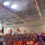 """""""Centro Democrático, un país con visión"""" corea toda la familia naranja de #CDNacional #EcuadorEs1 https://t.co/GpJMu96KGN"""