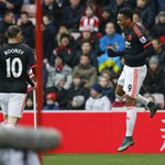 PHOTO Anthony Martial celebrates after reacting fastest to Mannones save off Mata & levelling. Its 1-1 (45+3 mins) https://t.co/dfdRLTiLxM