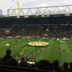 Anstoß im Tempel! // Kick-off in the capital of football! #bvbh96 0-0 https://t.co/OTbYUTZ5gT
