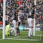 FULL-TIME Sunderland 2-1 Man Utd. Sunderland record a famous win over Man Utd thanks to a De Gea own goal #SUNMUN https://t.co/f603hpwNbc