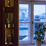 Our article guides you to #Budapests most #romantic wine bars: https://t.co/XzZcpuNtlU https://t.co/ravzlWrZDe