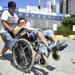 Esse pequeno torcedor do @FigueirenseFC, precisa de ajuda! https://t.co/TSmNkwPxZr https://t.co/KxU7B8S9o9