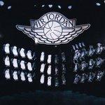 Michael Jordan gave Kobe Bryant a complete set of Air Jordans as retirement gift https://t.co/8SIcC4tLYA