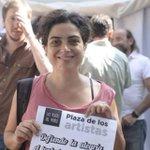Arrancó el Apocalipsis Zombie!! Cuidado! No dejen q los muerda! #Llorapalooza #PlazaDeLosArtistas https://t.co/wds3uP3Or8