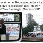Macri sabe leer y leyó: MACRI = HAMBRE VIDEO* Mira como sigue el cartel con la cabecita https://t.co/bJxbXoUkmD https://t.co/bBcF1Cv1C1