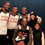 KD & Russ join Kobe, his daughters & CP3 with his son for a memorable portrait. #NBAAllStarTO https://t.co/L5XbgeYiTJ