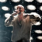 """""""@NME: Kanye Wests co-writer quits and says rapper needs counselling https://t.co/1jFAouZb23 https://t.co/pwBcVsKaL8"""" ???? @SizweDhlomo"""
