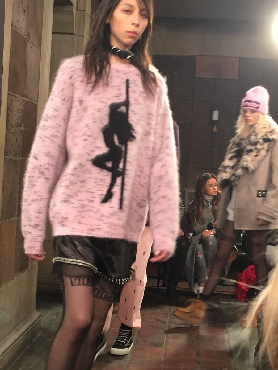 Pole dancer pullover @AlexanderWangNY #NYFW https://t.co/ZOpa1dbx6d