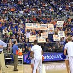 Some of our @GatorBoosters & fans decided to show the @MBKRowdies some ❤️ during the timeout. #GoGators https://t.co/Es8PtrdUZl