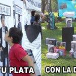 """En #Llorapalooza no podía faltar el entretenido """"Esputo el Otro"""", para alegría y educación de los chikitines. https://t.co/d7zCiTMX8X"""