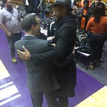 .@coach_collins exchanges postgame pleasantries with @JabariParker. #B1GCats https://t.co/nDw9UU5WFp