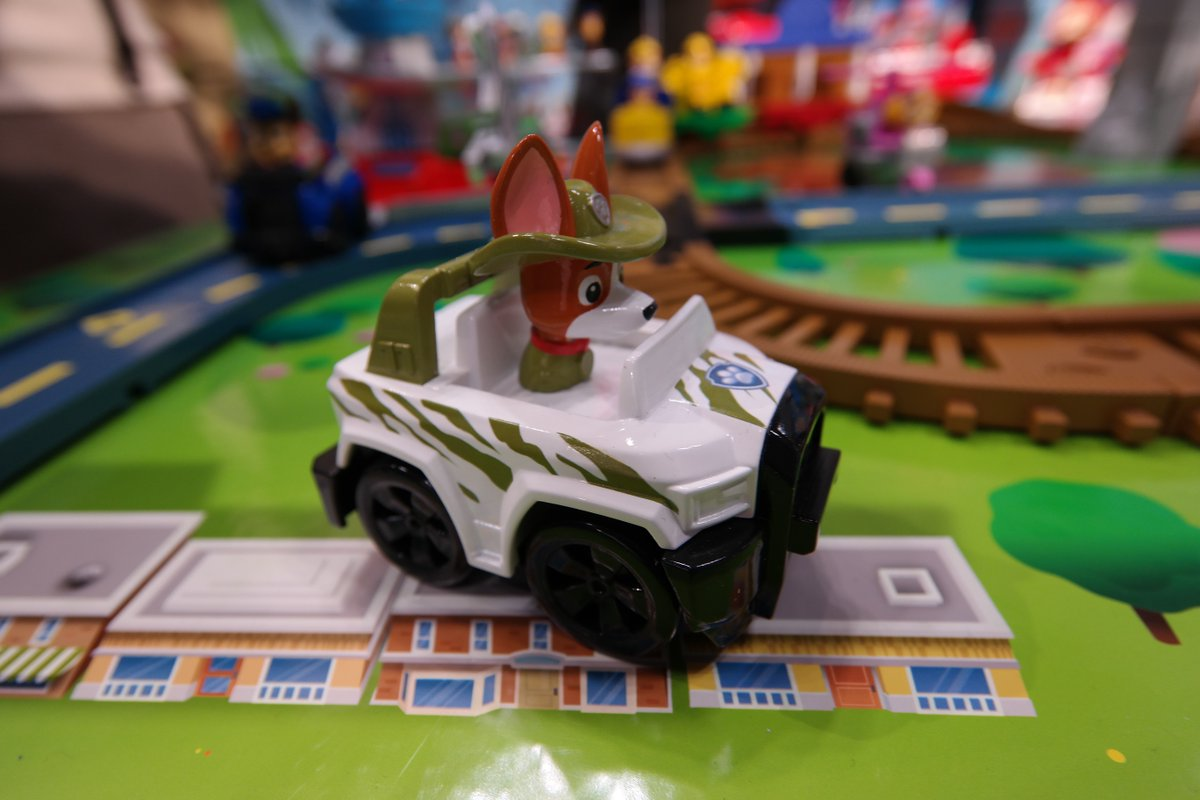 New pup on #PawPatrol! Meet Tracker, he likes jungle missions!  @PawPatrolNews @SpinMaster #TFNY16 #MomPatrol https://t.co/PgJ07KTPHk