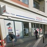 Robber who attempted to steal womans handbag caught by two  have-a-go heroes in Brighton https://t.co/zm2tF1NXA0 https://t.co/TDFnBzN6Sm