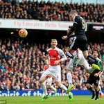 On last 11 occasions Arsenal have faced a team top of PL, they won just once (D4 L6). #joysports https://t.co/htvQLbfGPV