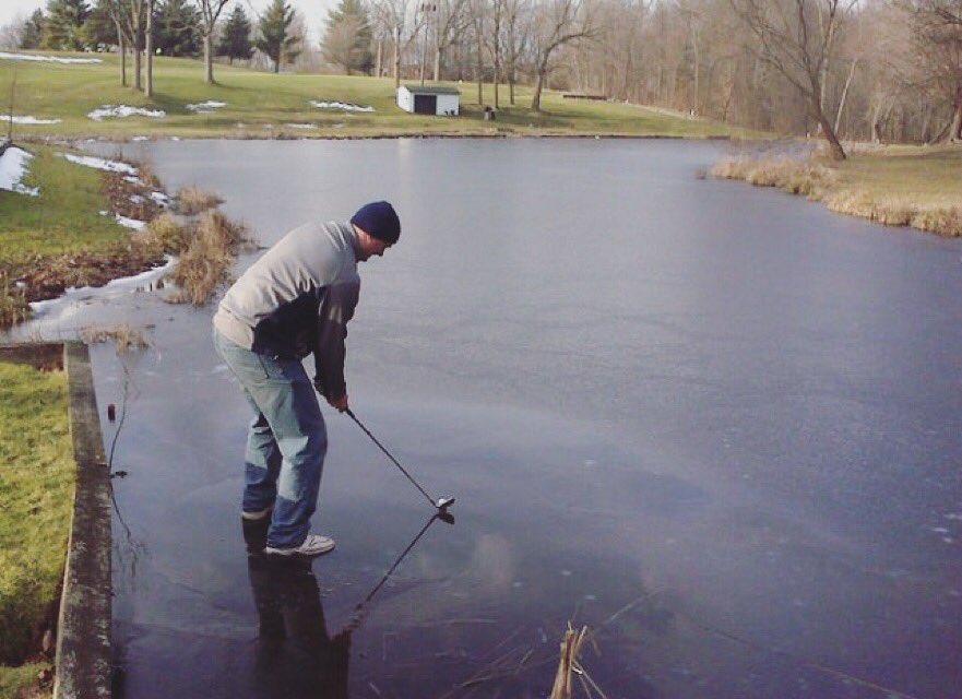 Winter Golf Problems #golf #cold #sundayfunday https://t.co/rsE7FzmhAq
