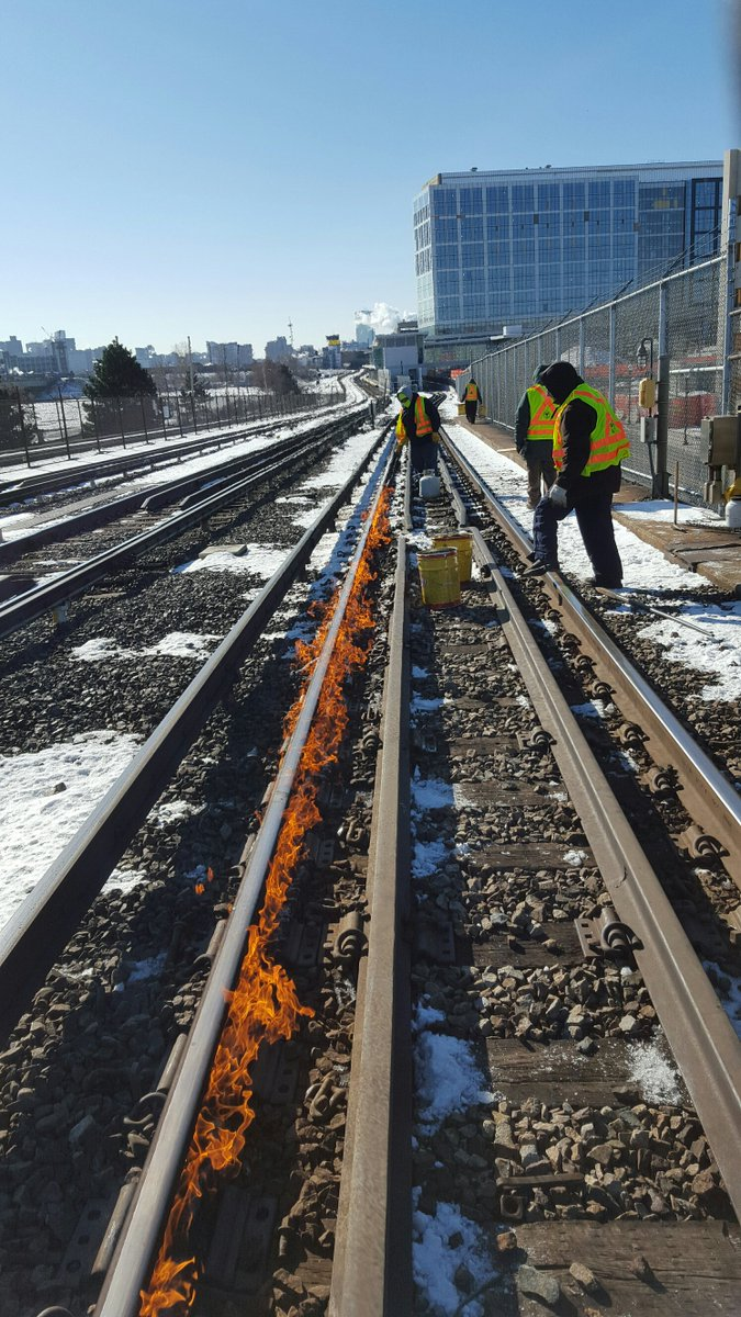 #MBTA Crews work to fix a weather related track problem at Assembly as delays continue on the #OrangeLine. https://t.co/4E13irHlMZ