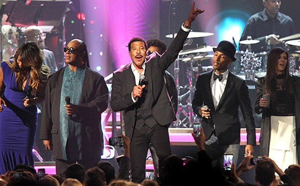 Rihanna, Stevie Wonder, Dave Grohl and more pay tribute to Lionel Richie at MusiCares Gala: