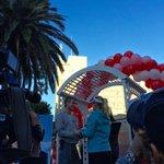 Marathon runners renewing vows @lamarathon #HappyValentinesDay https://t.co/6AEZYFbkTV