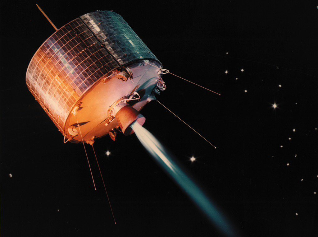 Today in 1963, NASA launches Syncom 1, the first geosynchronous communications satellite. @NASA_Johnson https://t.co/L7xqVHAM1p