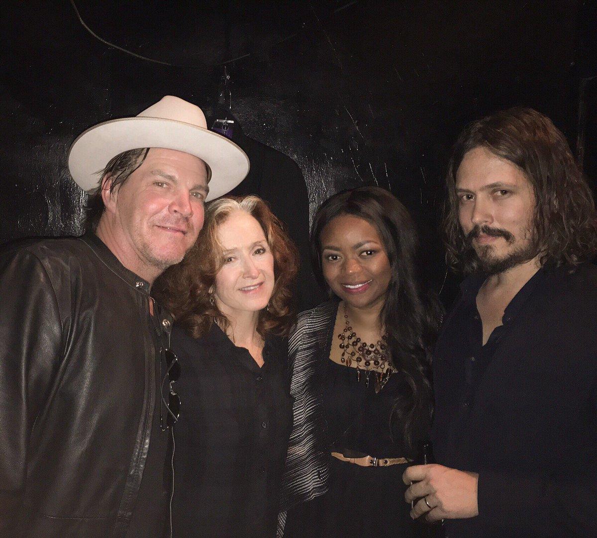 All the feels here w/ @JackIngram, @TheBonnieRaitt & John Paul White celebrating #GlennFrey at @theTroubadour ❤️ https://t.co/yMvU3RlRT8