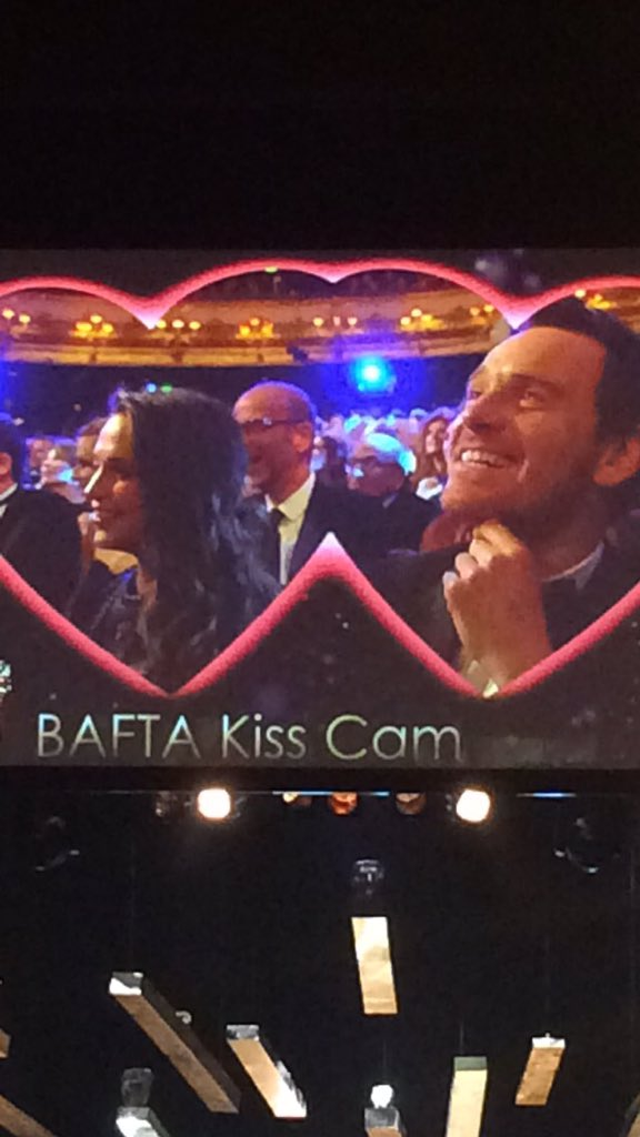 Loving the #EEBAFTAs Kiss Cam. Michael Fassbender having none of it @LancomeUK https://t.co/86zG9P7eeY